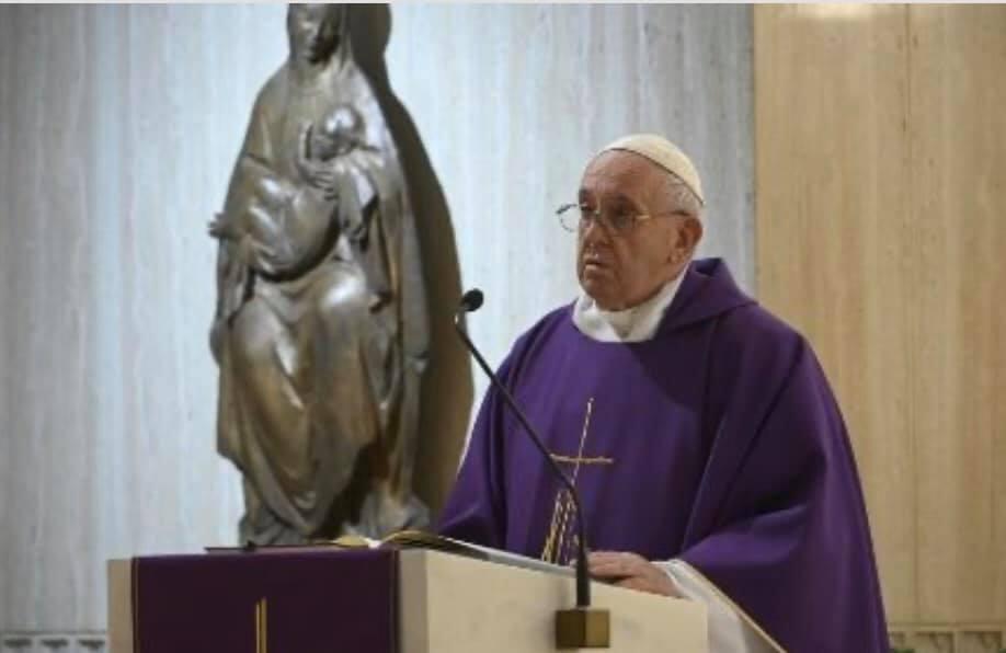 Il Papa prega per i senza fissa dimora: siano aiutati dalla società, la Chiesa li accolga
